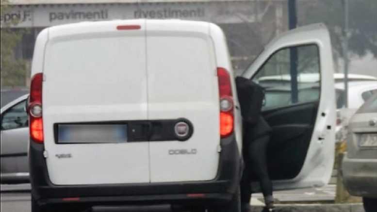 Piacenza, furbetti del cartellino in Comune: 50 indagati