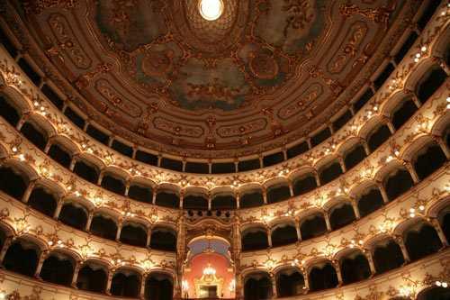 Teatro Municipale, gli eventi sospesi nel mese di maggio