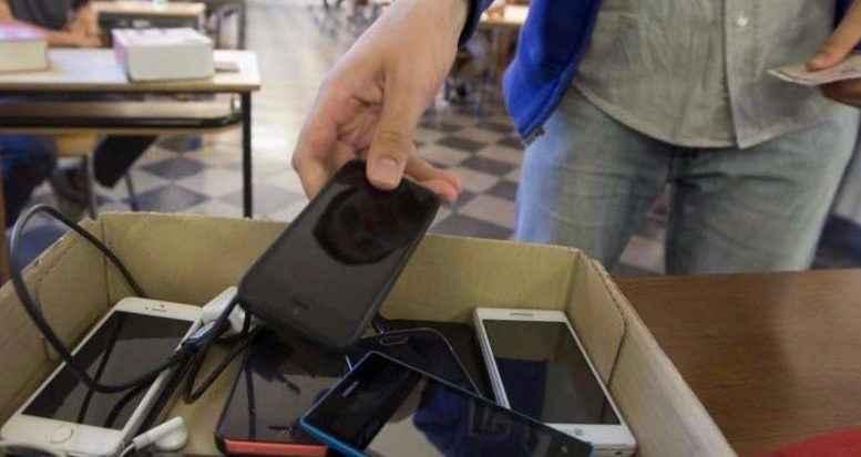 cellulari in classe