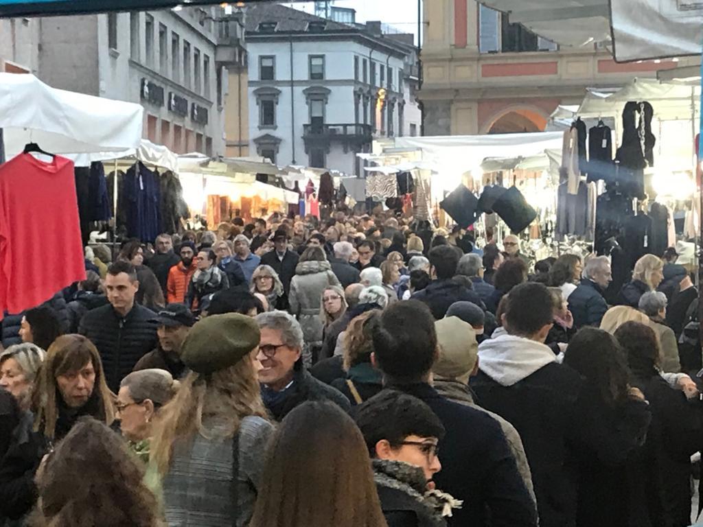 """""""Gli Ambulanti di Forte dei Marmi®"""" a Piacenza"""