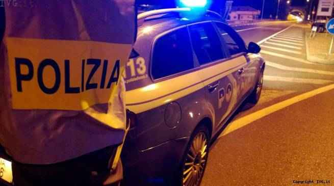 Borgotrebbia, 17enne alla guida non si ferma all'alt della Polizia