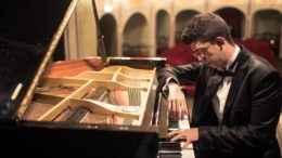 Il pianista Ruben Micieli protagonista al Municipale il 29 novembre