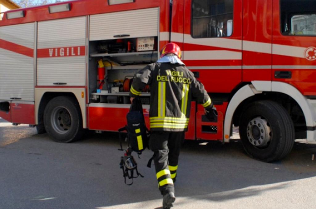 Castel San Giovanni, fuga di gas in un negozio. Pericolo sventato dai Vigili del Fuoco in via Mazzini