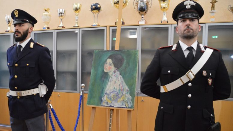 Furto del Klimt, avviso di garanzia per la vedova dell'ex direttore della Ricci Oddi