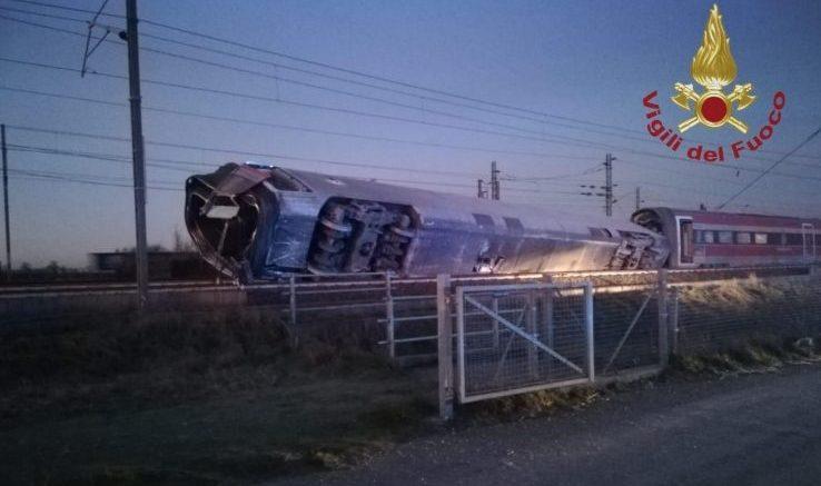 Treno deragliato, indagine anche su Rfi